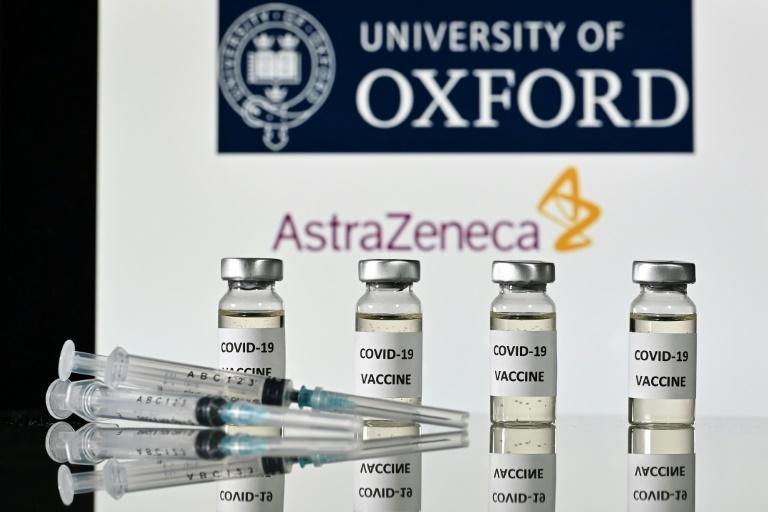 Le vaccin contre le Covid-19 développé par le laboratoire britannique AstraZeneca et l'université d'Oxford, le 17 novembre 2020 à Londres afp.com - JUSTIN TALLIS