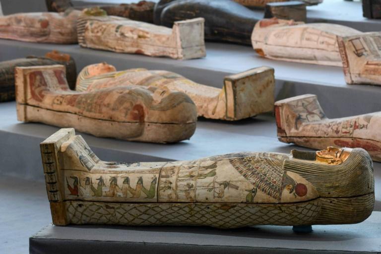 Des sarcophages en bois découverts à Saqqara, dévoilés lors d'une cérémonie le 14 novembre 2020 Ahmed HASAN AFP