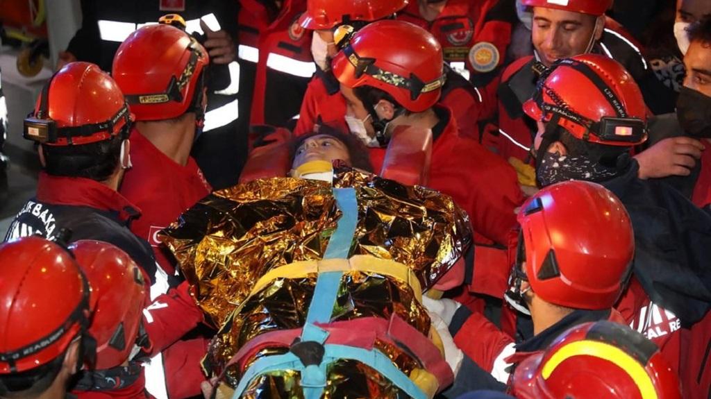 Death toll climbs to 100 from devastating Aegean quake