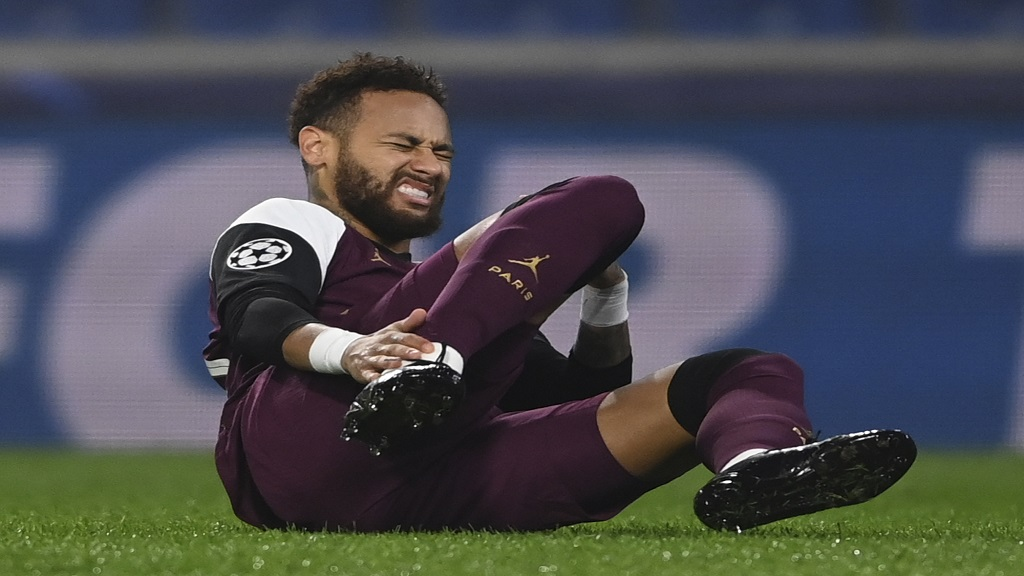 PSG's Neymar reacts after he was blocked during the Champions League group H football match against Basaksehir in Istanbul, Wednesday, Oct. 28, 2020. (Ozan Kose/Pool via AP).