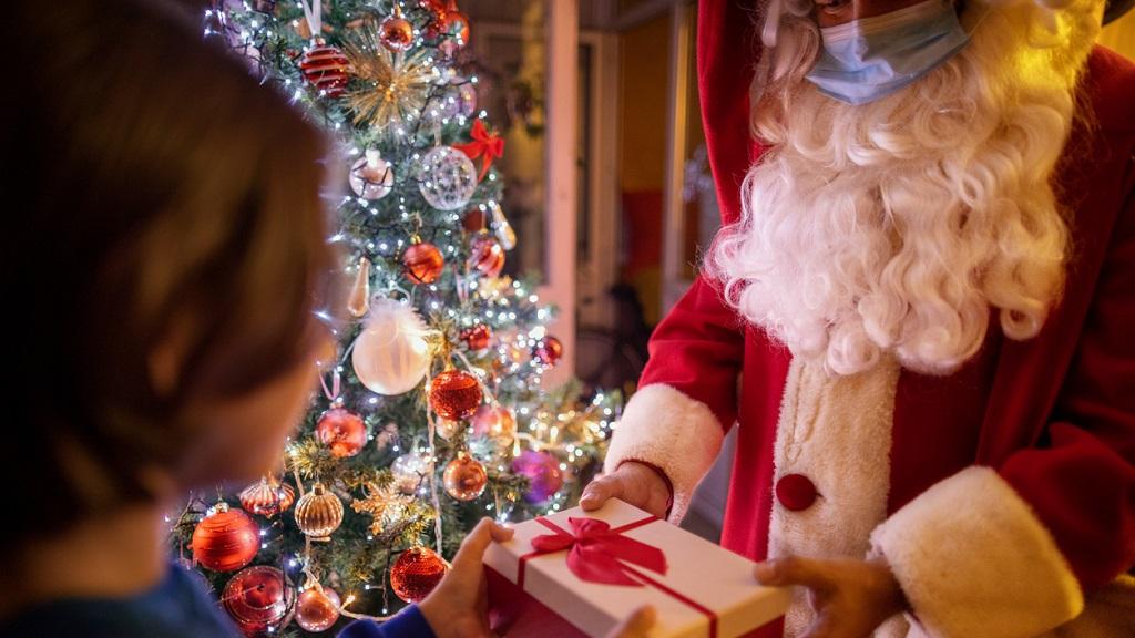 Super-spreader Santa blamed for nursing home COVID-19 outbreak