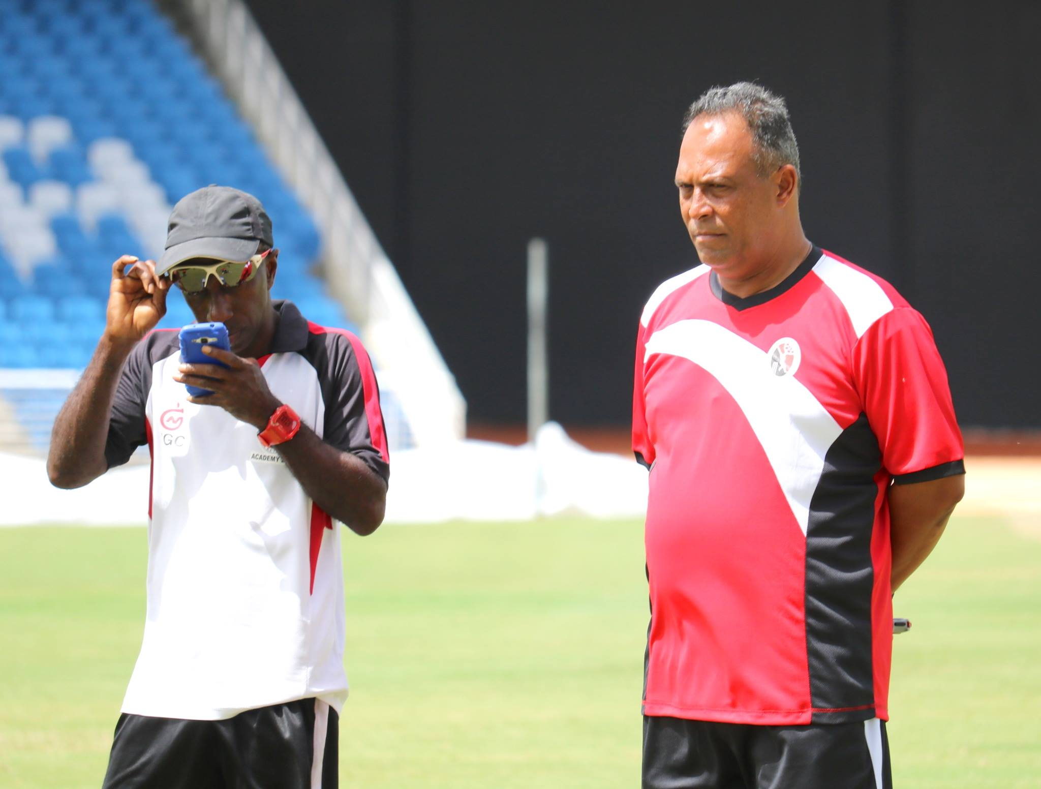 David Furlonge (right) was appointed head coach of the T&T national men's cricket team, T&T Red Force, by the Trinidad and Tobago Cricket Board. (Phot0 courtesy T&T Cricket Board media)