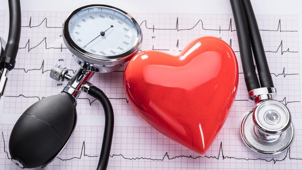 magas vérnyomás az idősek számára hipertónia tirotoxicosis kezeléssel