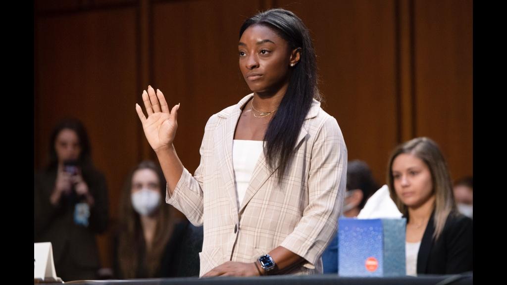 Scandale: La gymnaste Simone Biles et plusieurs autres accusent le FBI d'avoir fermé les yeux sur des abus sexuels