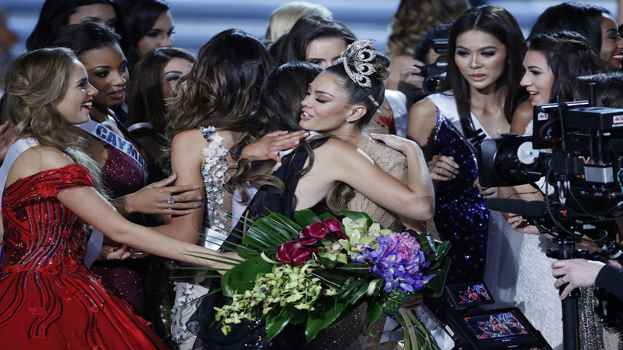 Prizes for miss universe runner ups