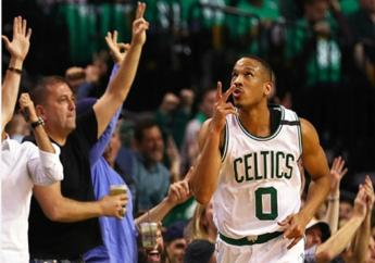 Avery Bradley scores a playoff career-high 29 points for the Celtics.