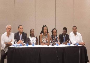 L'équipe de Haiti Tech Summit lors d'une conférence de presse.