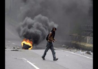 Een 33-jarige taxichauffeur werd in de westelijke grensstaat Tachira door een kogel in zijn borstkas geraakt en overleed