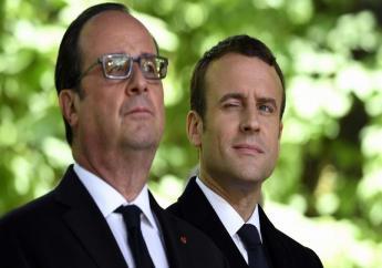 François Hollande (g) et son successeur Emmanuel Macron (d)