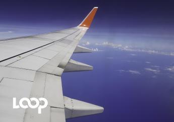 Aile droite du Boeing 737 de Sunrise Airways en plein vol, 18 octobre 2017. Les clichés sont de Widlore Mérancourt