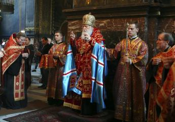 Patriarch Filaret, head of the Ukrainian Orthodox Church of the Kiev Patriarchate, conducts a service at the Volodymysky Cathedral in Kiev, Ukraine. (AP Photo/Efrem Lukatsky, FILE)