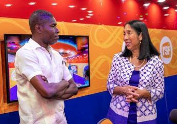 L'ambassadeur des Etats-Unis en Haïti, MIchele J. Sison et le directeur de la RSF, Yvenert Foesther Joseph/ Crédit: facebook/Ambassade des Etats-Unis