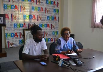 De la gauche vers la droite: Andy John W. Antoine, chef du projet Diskòb et Emmelie Prophète, directrice du Bureau Haïtien des Droits d'auteur