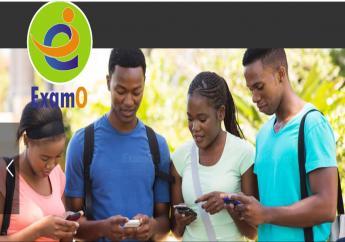 Illustration d'écolier Haïtien consultant la plateforme via leurs appareils électroniques Crédit Photo : Examo