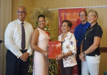 (L-R) Mark St Hill, CIBC First Caribbean; Donna Wellington, Managing Director Barbados Op Co; Dr Shirley Jhagroo, Cancer Society; John Marshall, Harris Paints Representative.