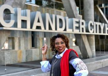 Christine Ellis, première femme noire à siéger au conseil municipal de Chandler en Arizona (États-Unis)