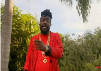 Beenie Man aired his views on his and Bounty Killer's omission from Billboard's Verzuz cover during his freestyle on the BET Hip Hop Awards Reggae Cypher