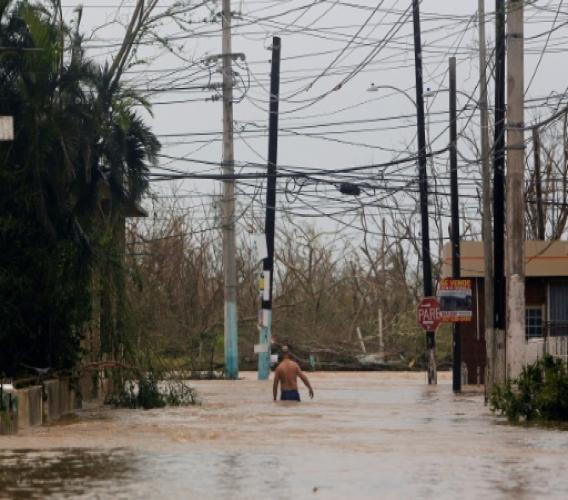 Une rue inondée après le passage de l'ouragan Maria, le 20 septembre 2017 à Pajardo, à Porto Rico