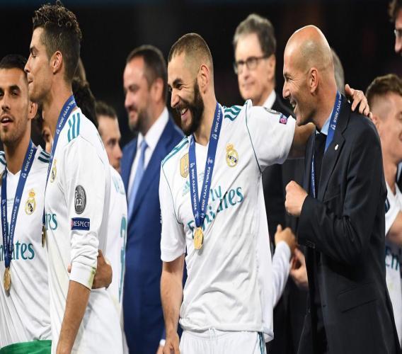 """Plus que jamais légendaire: moins de trois ans après le début de sa première expérience de coach d'une équipe professionnelle, """"Zizou"""" a réalisé l'exploit de détrôner au palmarès tous les plus grands entraîneurs de l'histoire de la compétition européenne. (crédit photo : AFP)"""