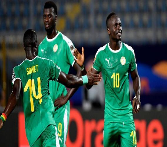 Henri Saivet et Sadio Mane lors de Sénégal - Kenya en Coupe d'Afrique des nations 2019. Getty Images