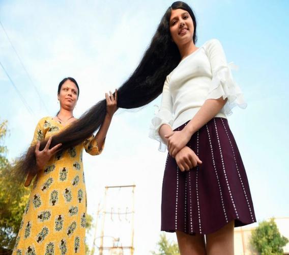 17 ans et 190 centimètres de cheveux. Photo: AFP