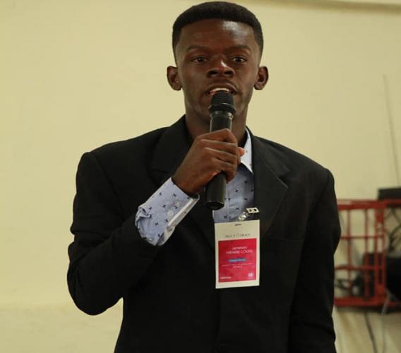 Pierre-Louis Jameson, étudiant en droit à l'université publique du sud aux Cayes (UPSAC)  Crédit Photo : Facebook