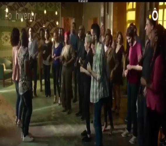 Tournage d'une scène du film Deux moi, réalisé par Cédric Klapich sur une musique de Coupé Cloué./Photo: Capture d'écran Youtube.