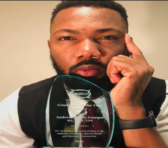 L'Haïtien Anderson Saint-Georges gagne le prix «Counselor of the Year» à Minnesota/ Photo de courtoisie