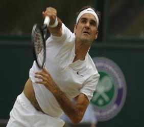 De nieuwe Wimbledon kampioen Federer heeft met zijn achtste titel Pete Sampras gepasseerd.