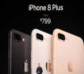 Le vice-président du marketing d'Apple Philip Schiller présente le iPhone 8 PLus à Cupertino, aux Etats-Unis, le 12 septembre 2017
