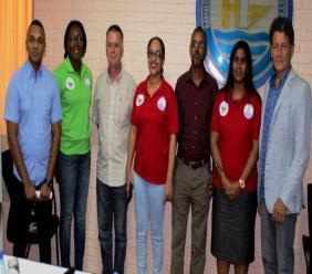 De vertegenwoordigers van de bedrijven samen met het team van de CUS (Foto: HI&T).