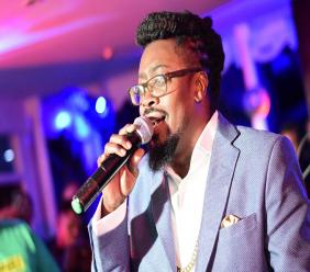 Beenie Man performs at 'Live at The Devon' last Thursday. (PHOTOS: Marlon Reid)