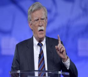 John Bolton est notamment l'un des grands pourfendeurs de l'accord sur le nucléaire iranien signé par les grandes puissances en juillet 2015 pour empêcher l'Iran de se doter de la bombe nucléaire.