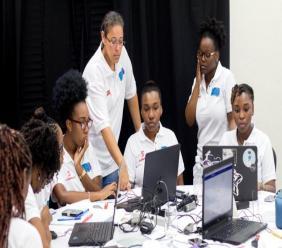 (Image: Girls at last year's hackathon)