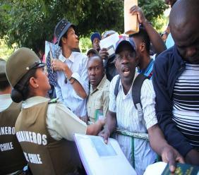 Chili: Une experte met à nu le plan pour faire retourner les Haïtiens. El Tipografo