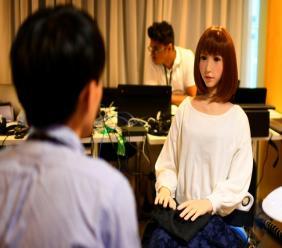 Le robot Erica créé par les Laboratoires japonais Hiroshi Ishiguro et présenté au Congrès international de la robotique IROS, le 5 octobre 2018 à Madrid