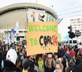 Un manifestant environnementaliste en marge de la conférence climat (COP24) à Katowice (Pologne) le 8 décembre 2018. - Janek SKARZYNSKI [AFP]