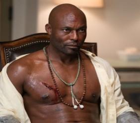 Jimmy Jean-Louis, figure du nouveau long métrage Rattles nakes, présenté à Los Angeles dans le cadre du Festival du Film Panafricain, réalisé par Julius Amedume sur un script de Graham Farrow