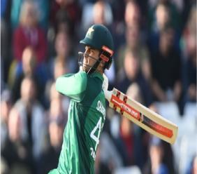 Shoaib Malik in action for Pakistan.