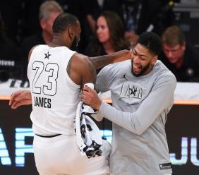 Jayne Kamin-OnceaLeBron James et Anthony Davis lors du All Star Game à Los Angeles le 18 février 2018