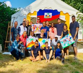 Des artistes haïtiens à un atelier d'Art International en France/ Photo: Lex Gassendy Henry( G-LexPhoto)