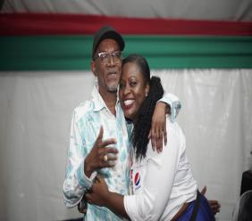 The Godfather himself Beres Hammond shares a refreshing moment with Carla Hollingsworth from Pepsi who visited his tent before his performance.