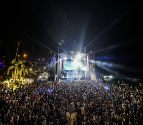 The crowd at the main stage at the Curacao North Sea Jazz Festival