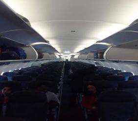 Photo prise par Fanfan Poinçon, un passager haïtien, à bord d'un avion venant de New York, en direction de Port-au-Prince.