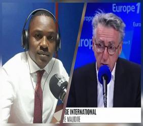 De gauche à droite, Wadson Désir, Correspondant permanent en Haïti de l'émission Couleurs tropicales sur RFI et Vincent Hervouët, Présentateur de la rubrique Editorial International sur Europe 1. Collage: Loop Haïti.