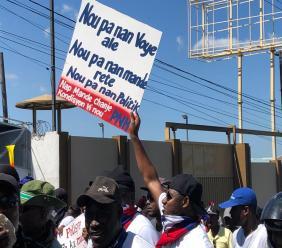 La police nationale marche dans les rues de Port-au-Prince 27 octobre 2019/ Photo: Raoul Junior Lorfils