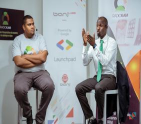 """A gauche, le CEO de Banj, Marc Alain Boucicault et à droite, l'initiateur de """"Radiokam"""", docteur Djinaud Prophète/ Photo : Banj"""