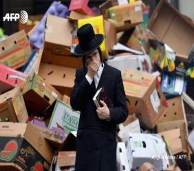 Séder confiné: les juifs new-yorkais fêtent la Pâque malgré la pandémie. Photo: AFP