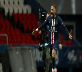 L'attaquant brésilien du Paris-SG, Neymar, buteur lors du 8e de finale retour de la Ligue des champions face à Dortmund, au Parc des Princes, le 11 mars 2020 - GETTY/UEFA/AFP/Archives