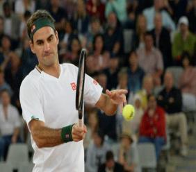 Roger Federer lors d'un match au Cap, en février